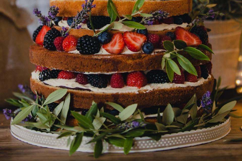 Naked cake provençal