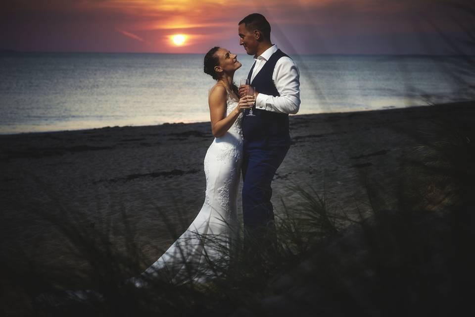 Image de couple à la plage