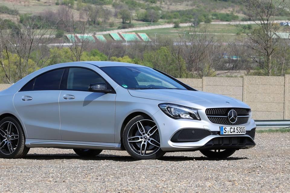 Mercedes-Benz Rent Magnanville