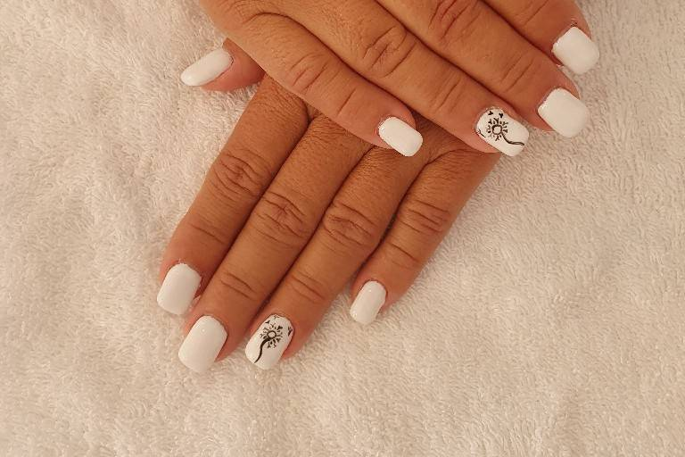 Ongles gel deco mains