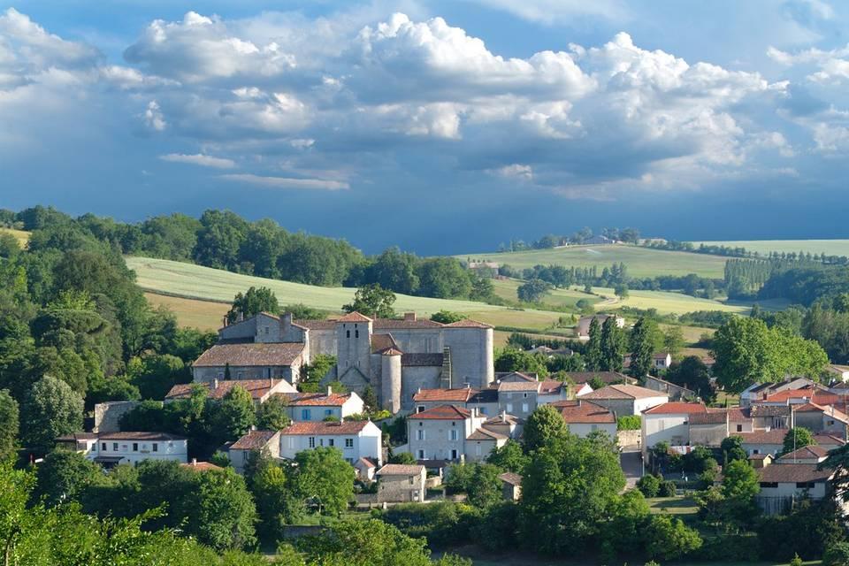 Superbe village 6 km d'Agen