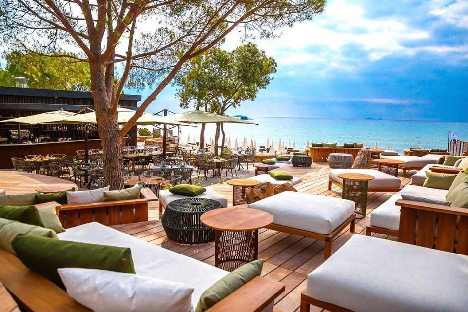 Le Da'Mare Sea Lounge