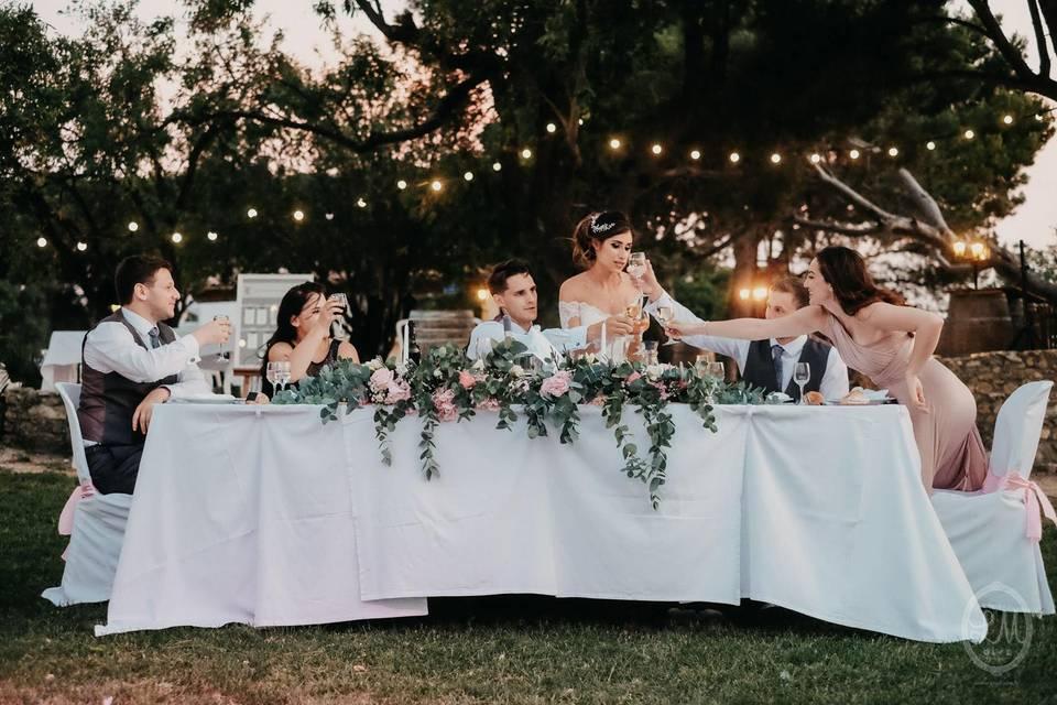 Décoration florale table mariés