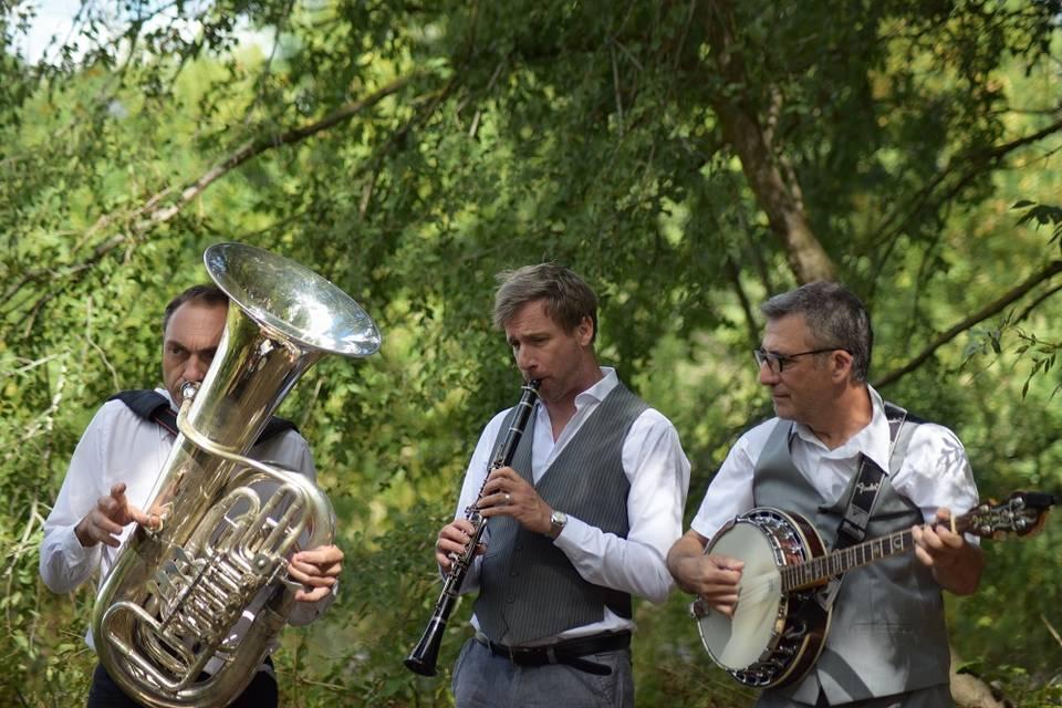 Happy Swing Trio