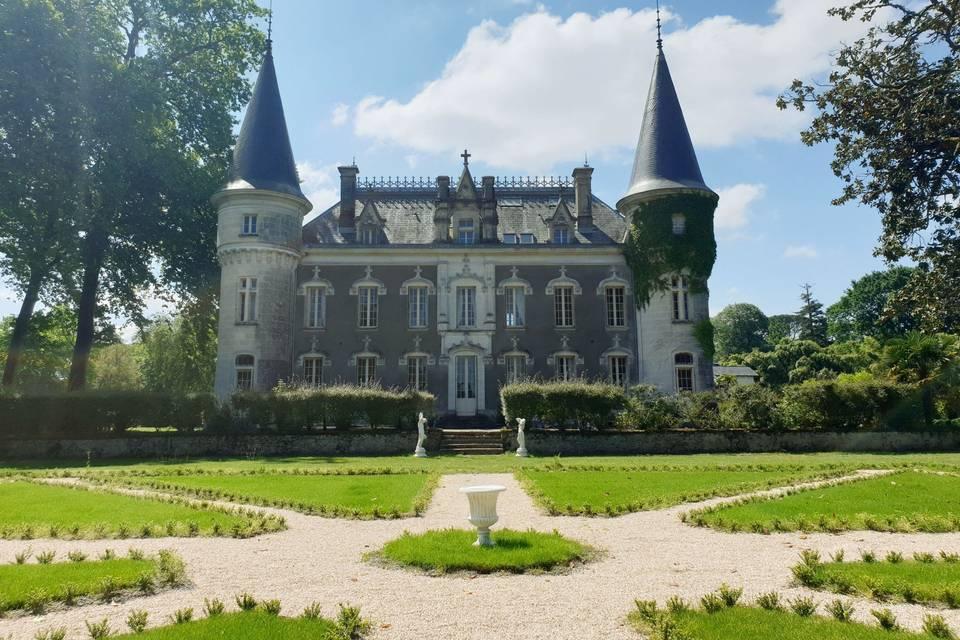 Vue du château côté Jardin