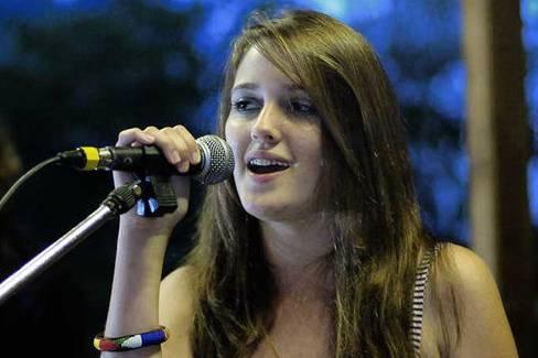 Kiah singing