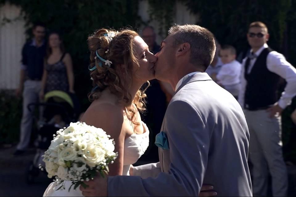 La découverte des mariés