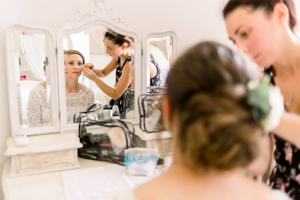 Fiona - Hairstylist & Make up Artist