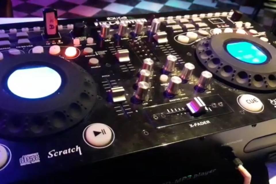 DJ Chrislenice