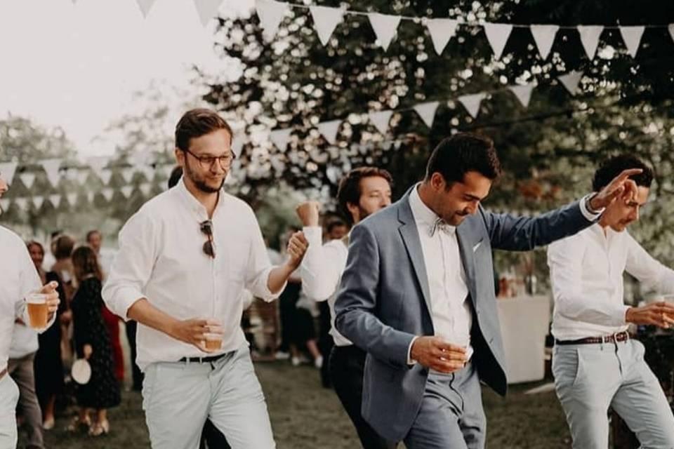Rentrons dans la danse..