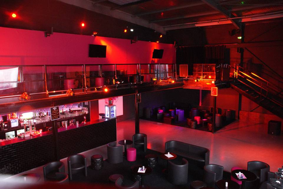 La Mezzanine Club