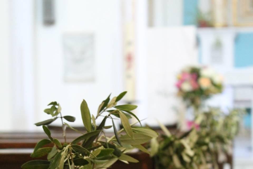 Bancs d'église fleuries