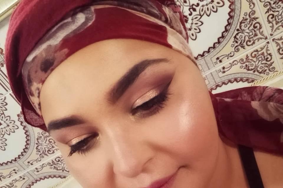 Blushy Make Up