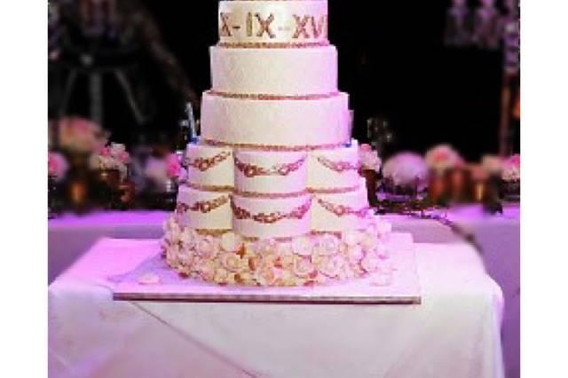 Baroque N'as Cake